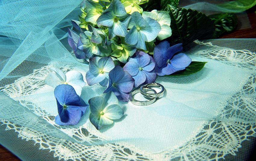 Marzia Fregni wedding planner designer interior nozze matrimonio in azzurro eventi cuscino fedi book fotografico organizzazione matrimonio